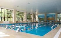 Бассейн в Almaty Resort