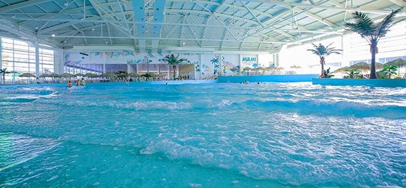 Майами - бассейн в Алматы, похожий на море